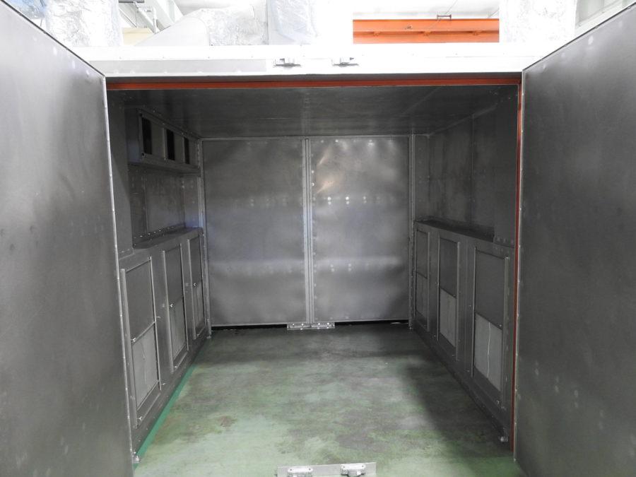 金属塗装の際に必要な焼き付け乾燥炉。それにも資格が必要。